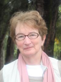 Ellen Spears headshot
